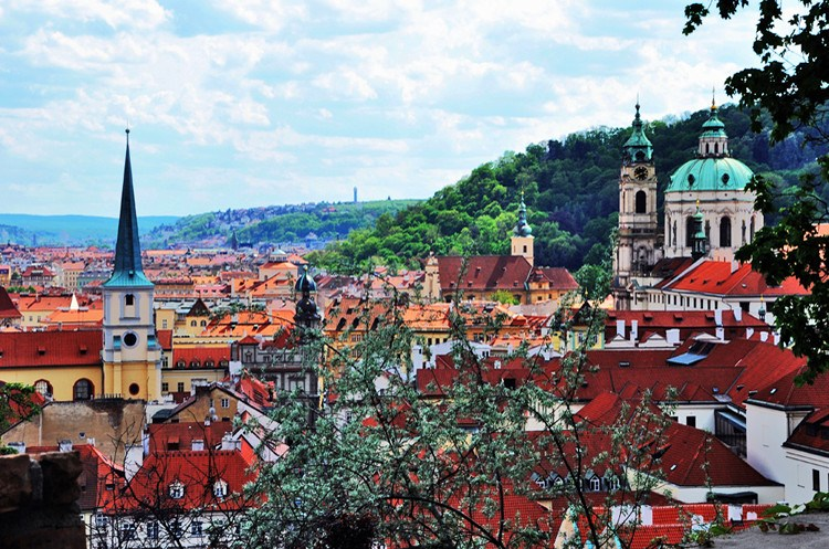浪漫捷克之旅:徜徉在风情万种的布拉格