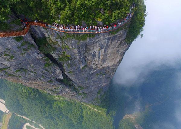 从城市到高山 外媒惊叹空中俯瞰中国太美