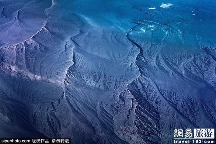 俯瞰阿勒泰神秘大地 感受广袤与秀美