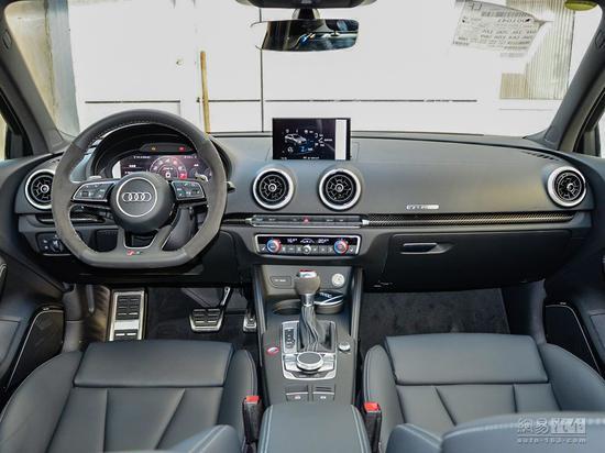 奥迪RS3图片 2