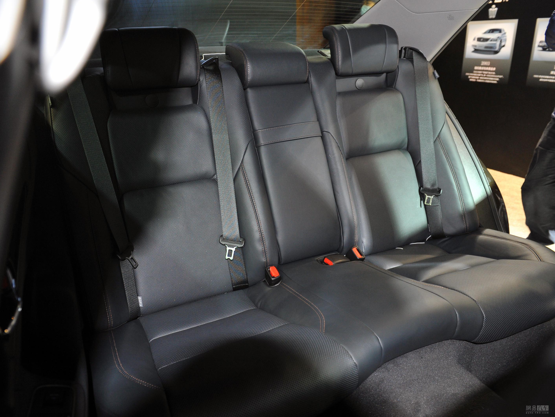 内外升级 一汽丰田新款皇冠售26.48元起