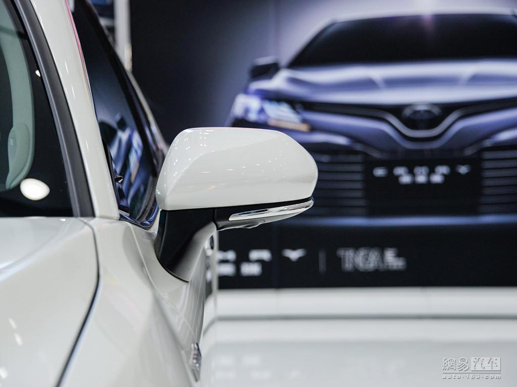 丰田全新凯美瑞 2018款 双擎 2.5hq 旗舰版--车外后视镜