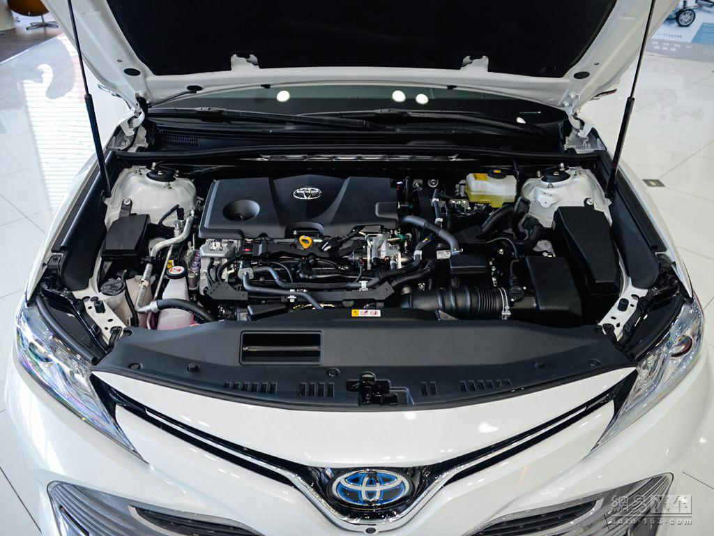 丰田全新凯美瑞 2018款 双擎 2.5hq 旗舰版--发动机外观