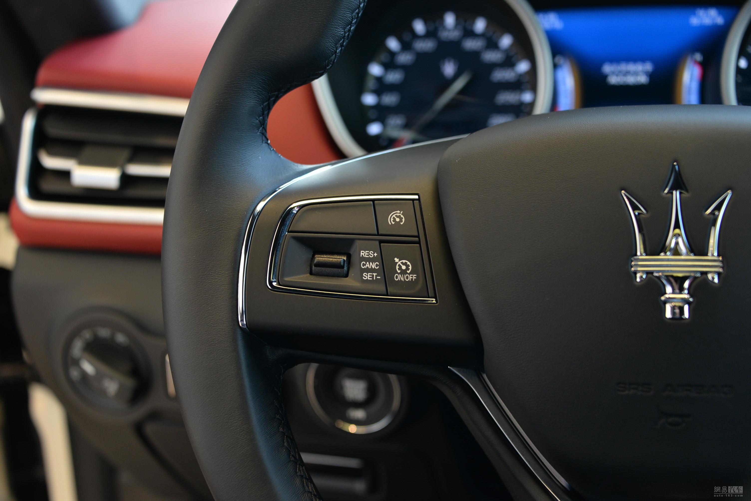 玛莎拉蒂ghibli 2018款 350hp 豪华版--方向盘多功能按钮(左侧)图片