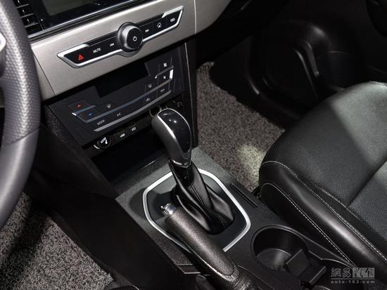 轮圈很AMG 力帆全新SUV X70实车亮相