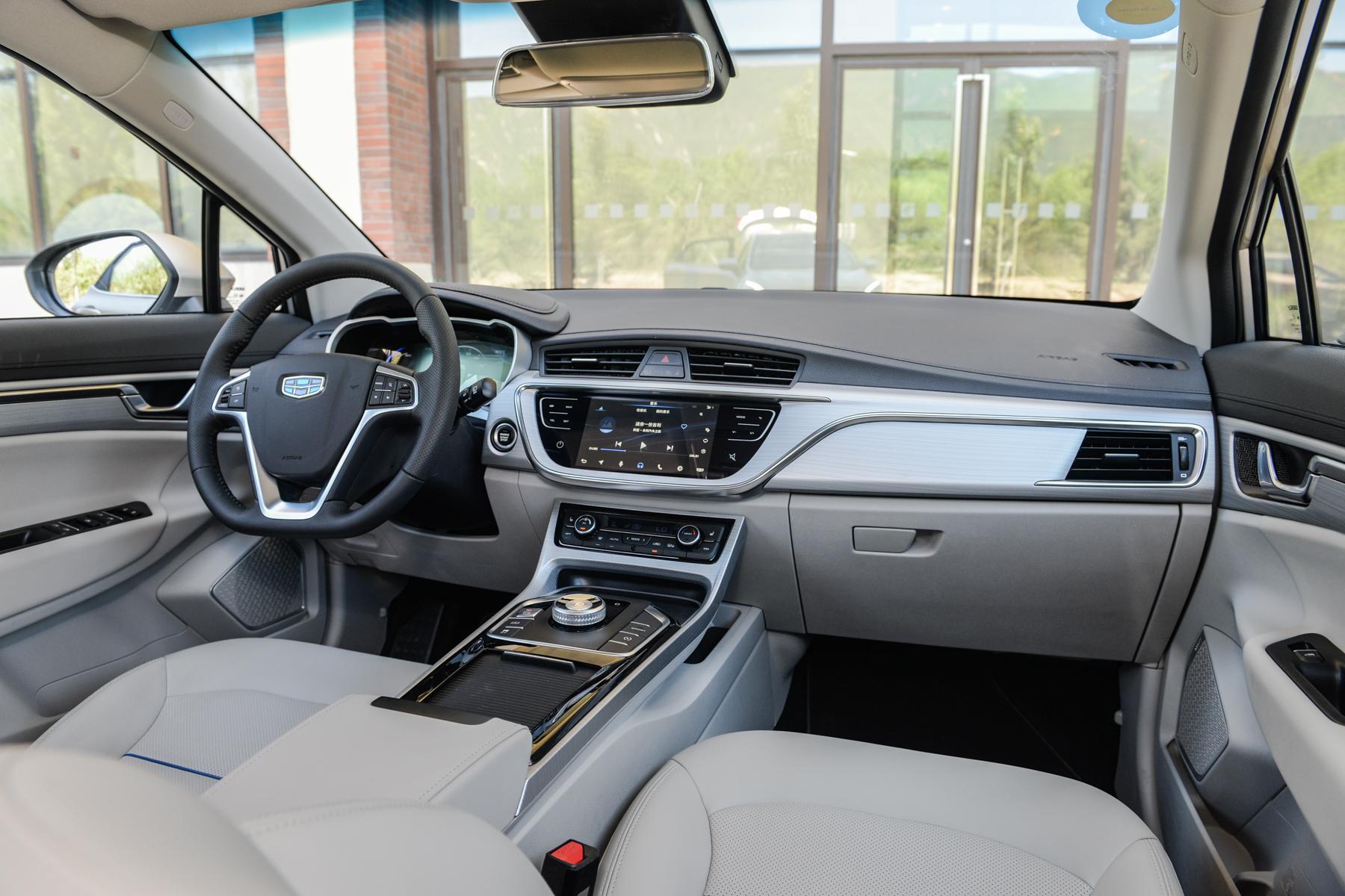 多用途高质感的电动跨界SUV 试驾帝豪GSe