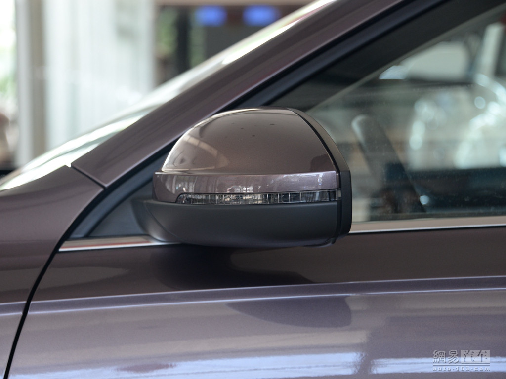 大众朗逸 2018款 1.5l自动舒适版--侧转向灯
