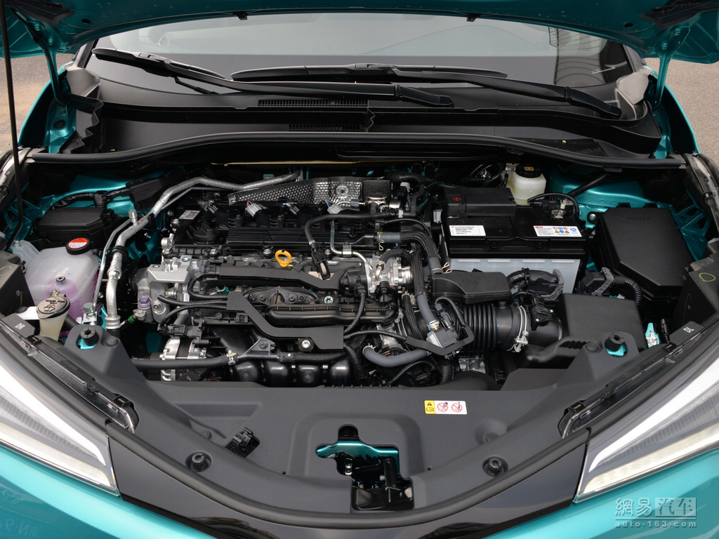 丰田c-hr 2018款 2.0l 旗舰版--发动机外观