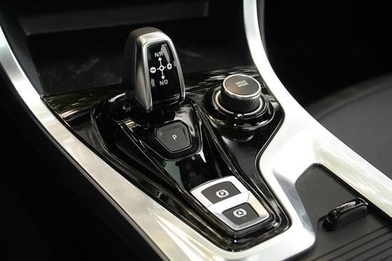 汽油价格买台混动车 实拍领克01 PHEV