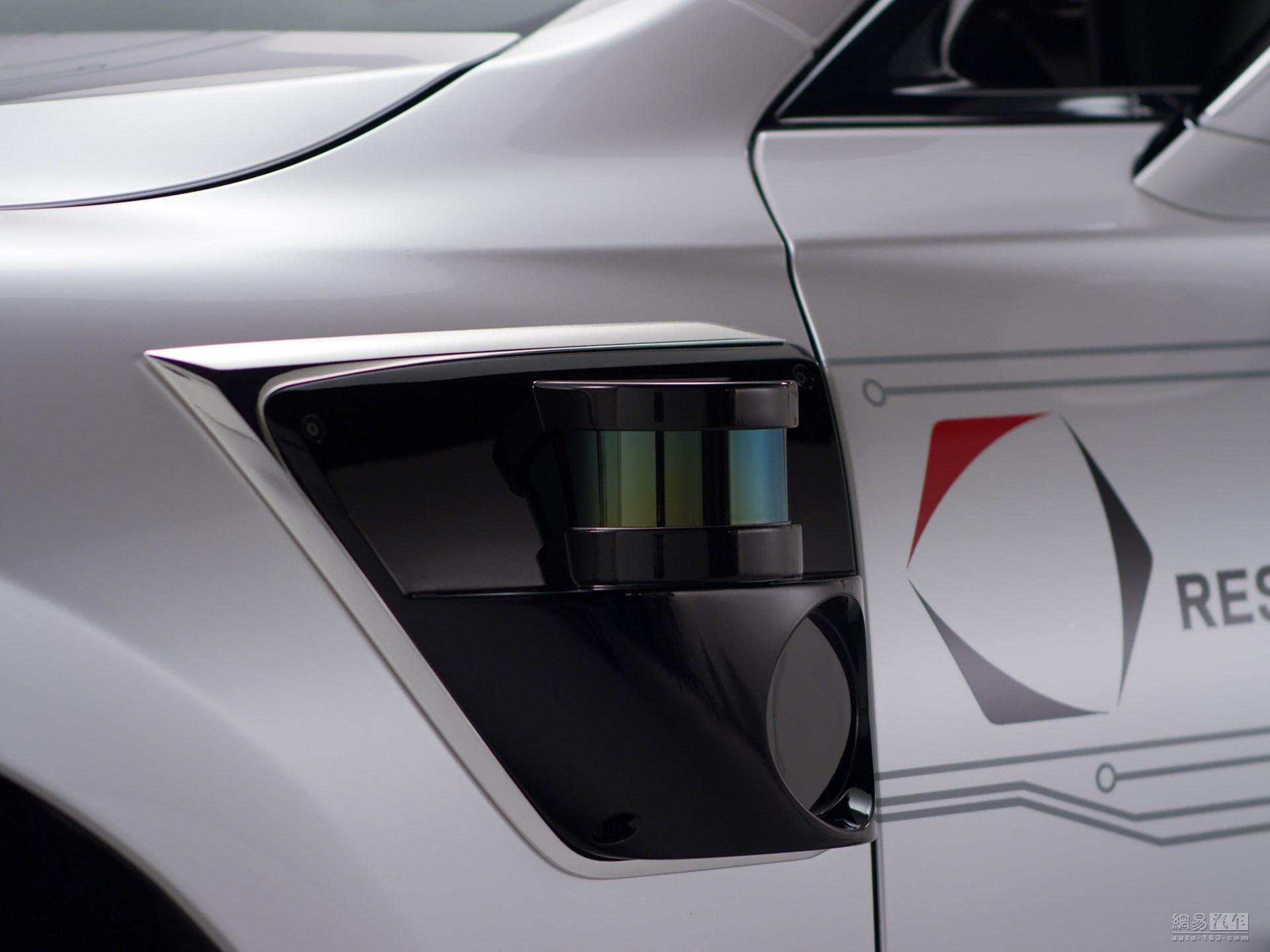 车顶都是摄像头 丰田发布自动驾驶原型车