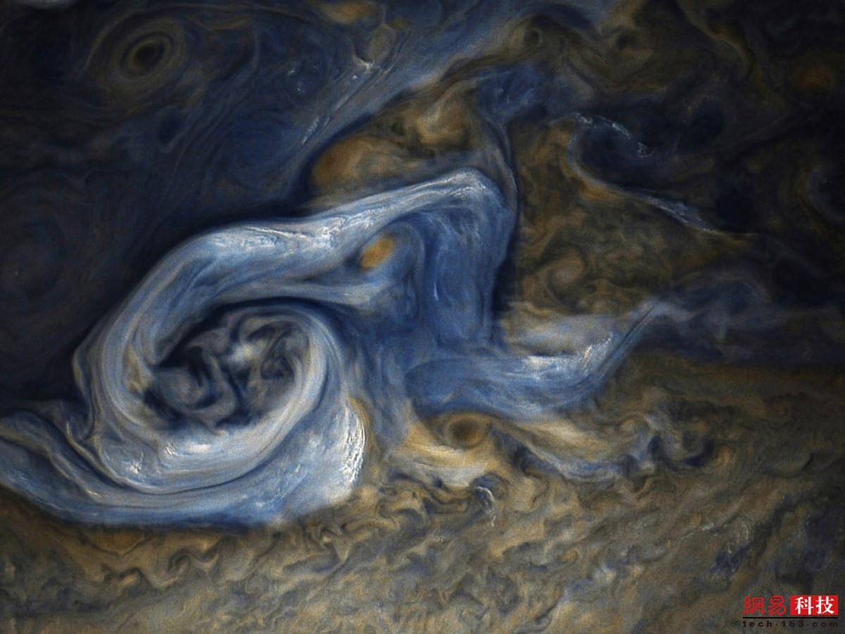 一周外媒天文图片精选 全年日月食大赏