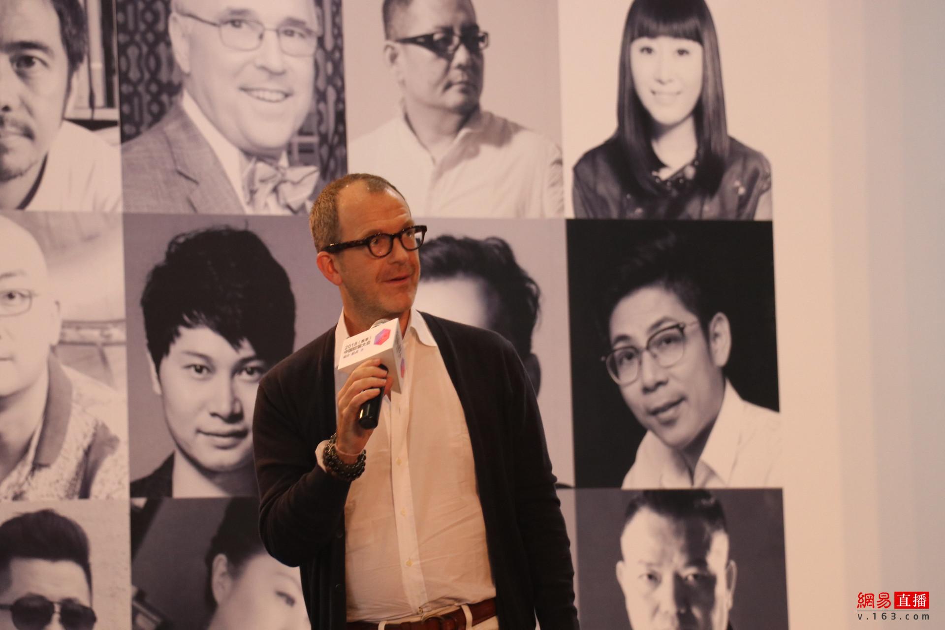 美国的知名空间设计大师、Ralph Lauren家居的亚太区首席代表Brent D. Smith先生分享《Shine Like a Star Designer》。