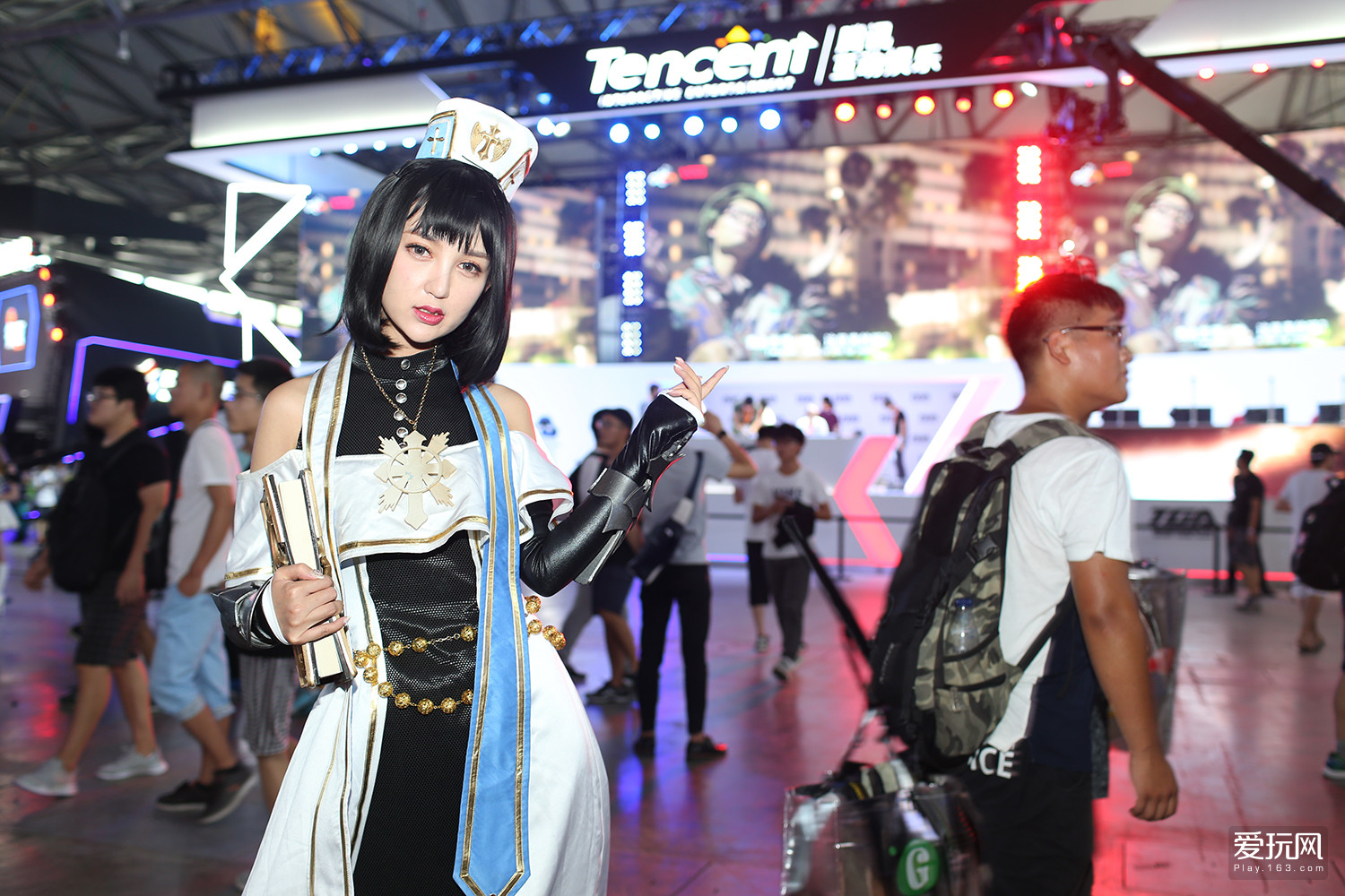 Chinese Girls at Chinajoy 2017 - Photo 2