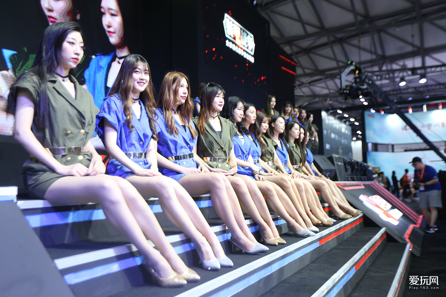 Chinese Girls at Chinajoy 2017 - Photo 1