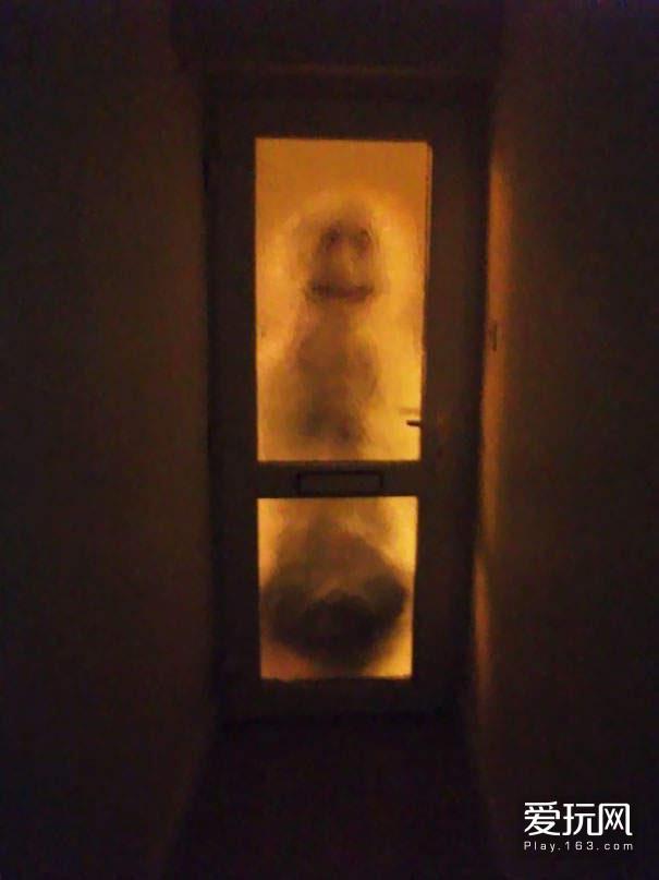 我的室友清晨4点就会出门去运动,我醒来的时候看到这个雪人...