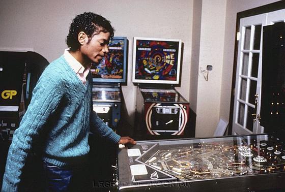 从未长大的迈克尔·杰克逊与他的游戏天国