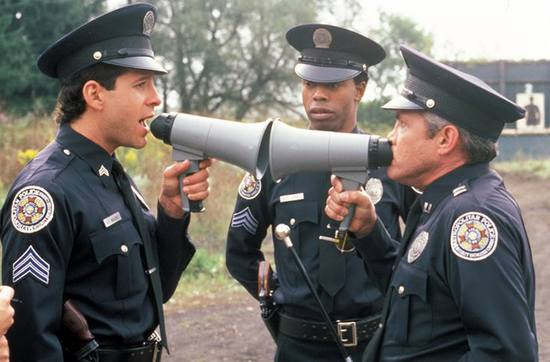 美帝警察为啥爱误杀无辜市民?这款游戏试图找出答案