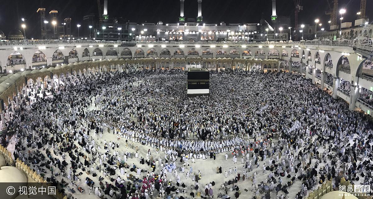 穆斯林齐聚麦加 天房 祈祷 盛况空前