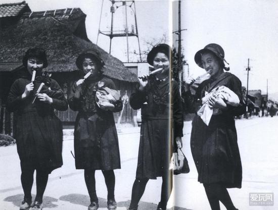 那些年的JK昭和16年 正在吃冰棍的福岛高中女生
